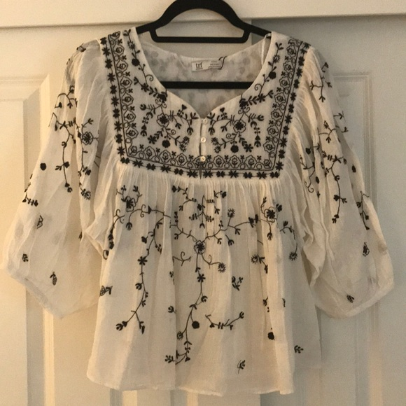 9967bb87c0677e Zara trf Collection Bohemian embroidered blouse. NWT
